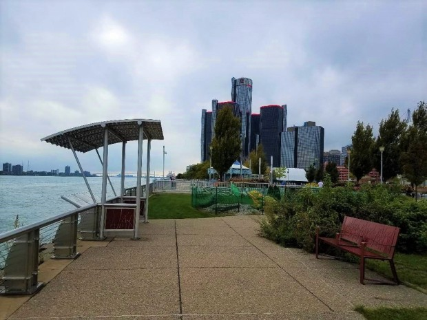 October2018DetroitRiverWalk2 (3)